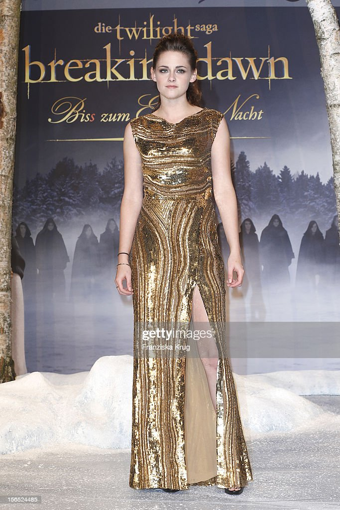<a gi-track='captionPersonalityLinkClicked' href=/galleries/search?phrase=Kristen+Stewart&family=editorial&specificpeople=2166264 ng-click='$event.stopPropagation()'>Kristen Stewart</a> attends the 'Twilight Saga: Breaking Dawn Part 2' Germany Premiere at CineStar on November 16, 2012 in Berlin, Germany.