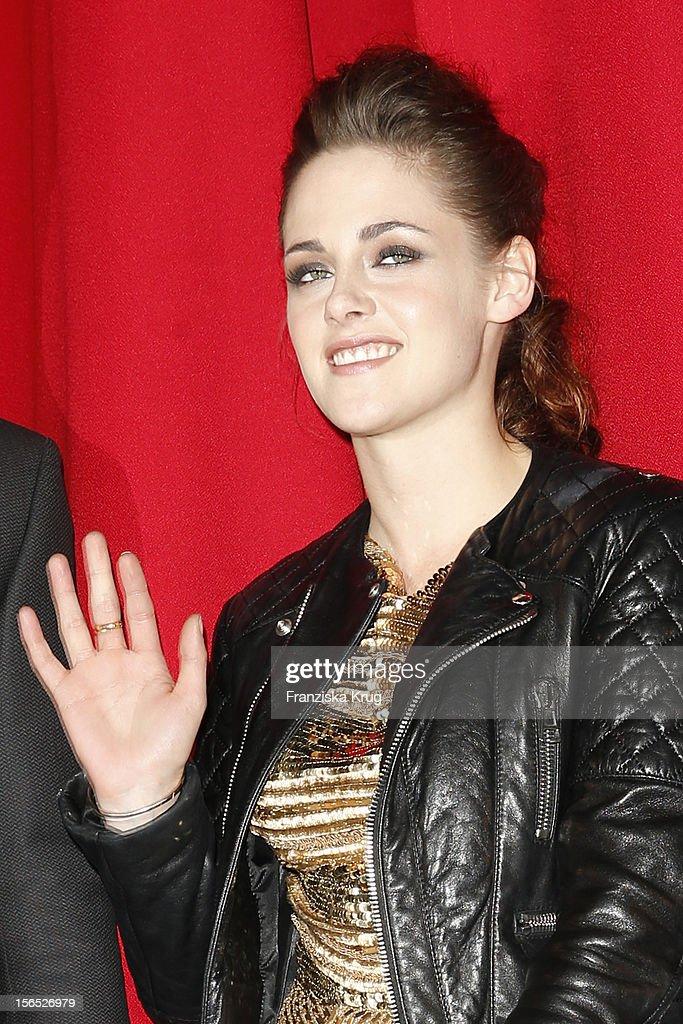 Kristen Stewart attends the 'Twilight Saga: Breaking Dawn Part 2' Germany Premiere at CineStar on November 16, 2012 in Berlin, Germany.