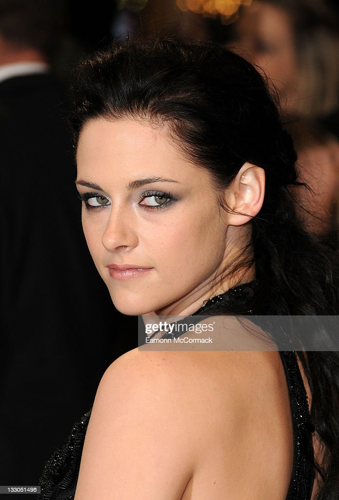 <a gi-track='captionPersonalityLinkClicked' href=/galleries/search?phrase=Kristen+Stewart&family=editorial&specificpeople=2166264 ng-click='$event.stopPropagation()'>Kristen Stewart</a> attends the UK premiere of The Twilight Saga: Breaking Dawn Part 1 at Westfield Stratford City on November 16, 2011 in London, England.