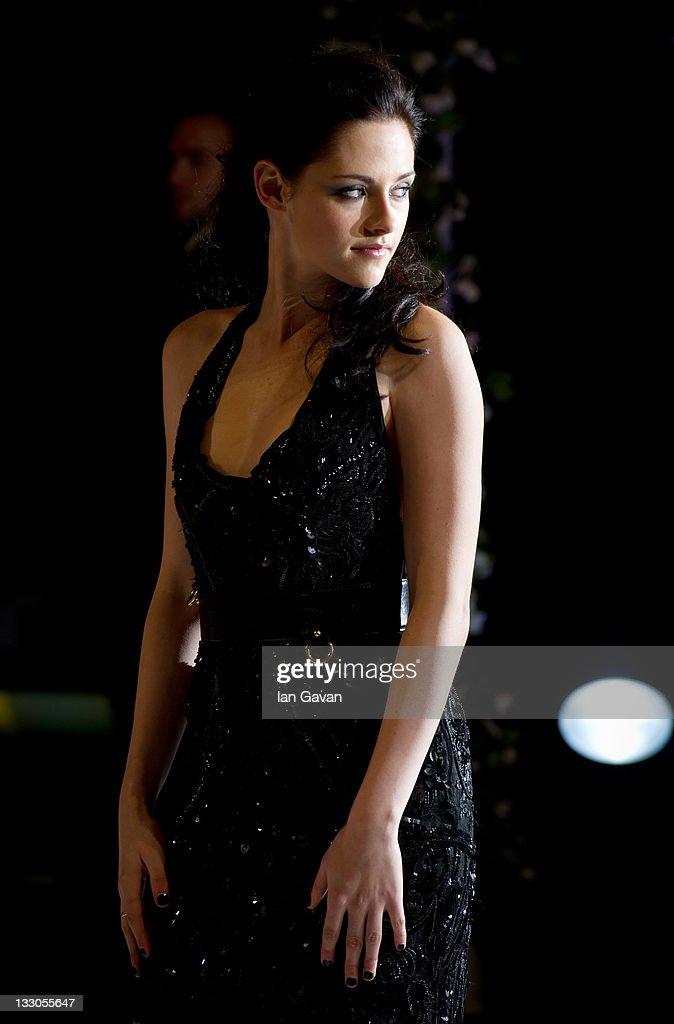 Kristen Stewart attends the UK premiere of The Twilight Saga: Breaking Dawn Part 1 at Westfield Stratford City on November 16, 2011 in London, England.