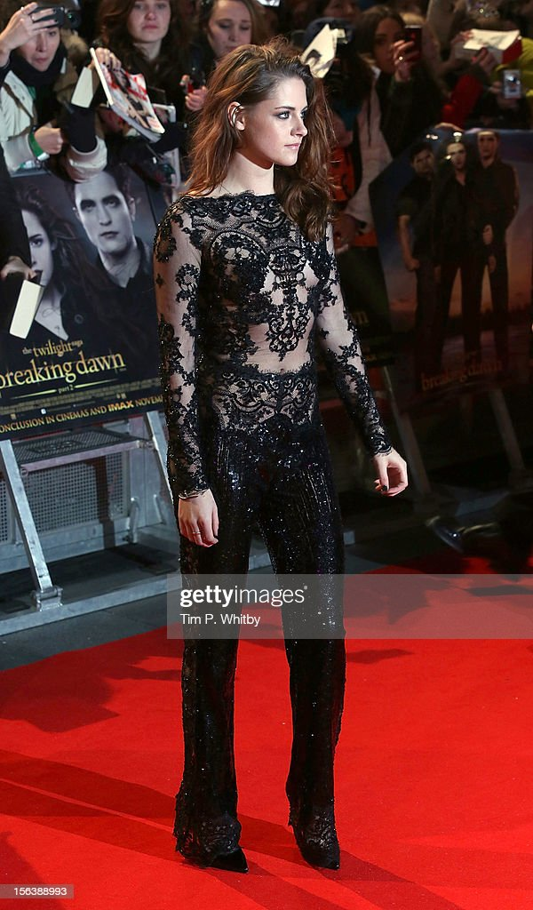 Kristen Stewart attends the UK Premiere of 'The Twilight Saga: Breaking Dawn - Part 2' at Odeon Leicester Square on November 14, 2012 in London, England.