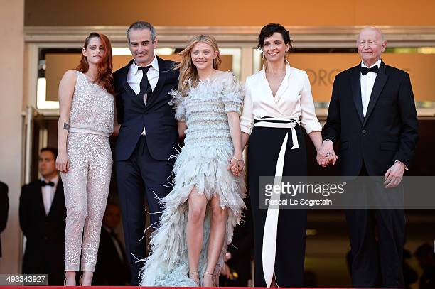 Kristen Stewart director Olivier Assayas Chloe Grace Moretz Juliette Binoche and President of the Cannes Film Festival Gilles Jacob attend the...