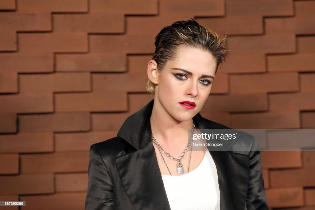 Kristen Stewart during the Chanel 'Trombinoscope' Collection des Metiers d'Art 2017/18 photo call at Elbphilharmonie on December 6, 2017 in Hamburg, Germany.