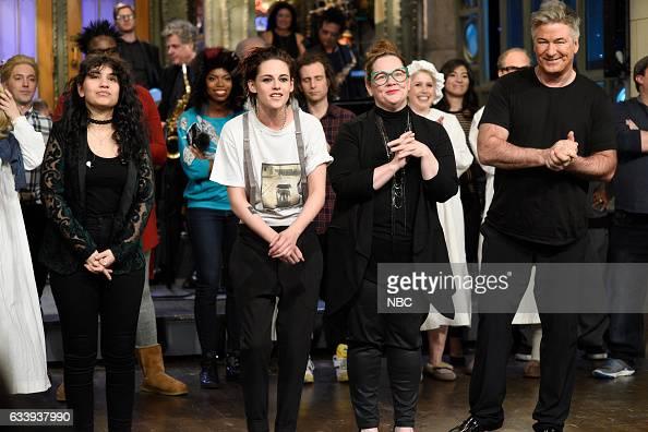 LIVE 'Kristen Stewart' Episode 1717 Pictured Musical guest Alessia Cara host Kristen Stewart guest Melissa McCarthy and Alec Baldwin during...