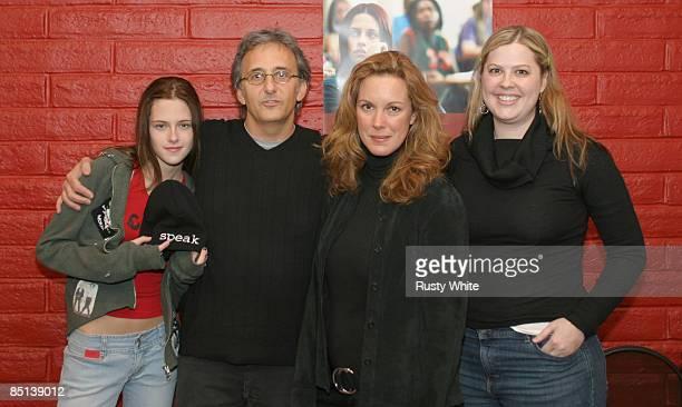Kristen Stewart Fred Barner Elizabeth Perkins and Jessica Stewart