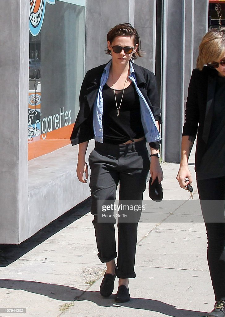 <a gi-track='captionPersonalityLinkClicked' href=/galleries/search?phrase=Kristen+Stewart&family=editorial&specificpeople=2166264 ng-click='$event.stopPropagation()'>Kristen Stewart</a> is seen on March 28, 2015 in Los Angeles, California.