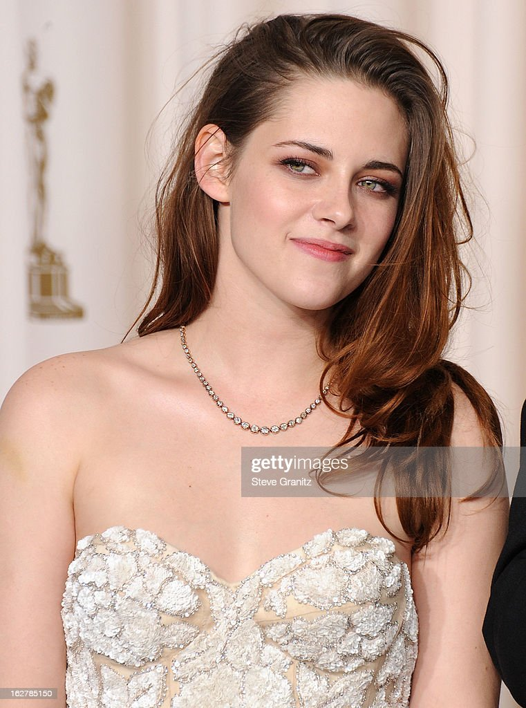 Kristen Stewart poses at the 85th Annual Academy Awards at Dolby Theatre on February 24, 2013 in Hollywood, California.