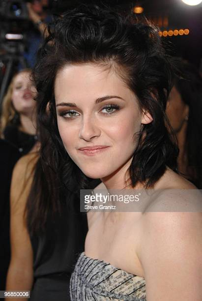 Kristen Stewart the premiere of Summit Entertainment's 'The Twilight Saga New Moon' on November 16 2009 in Westwood California
