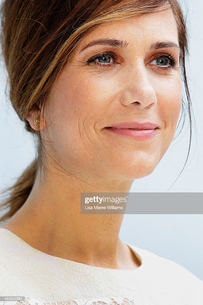 <a gi-track='captionPersonalityLinkClicked' href=/galleries/search?phrase=Kristen+Wiig&family=editorial&specificpeople=4029391 ng-click='$event.stopPropagation()'>Kristen Wiig</a> arrives at the Australian Premiere of The Secret Life of Walter Mitty at Sydney Entertainment Centre on November 21, 2013 in Sydney, Australia.