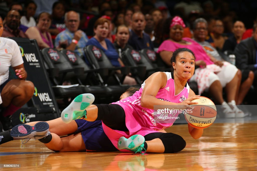 Kristi Toliver #20 of the Washington Mystics goes for a loose ball against the Phoenix Mercury on August 18, 2017 at the Verizon Center in Washington, DC.