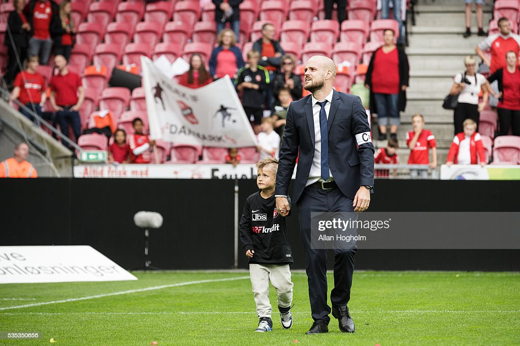 Kristian Bach Bak of FC Midtjylland and his son after the Danish Alka Superliga match between FC Midtjylland and FC Nordsjalland at MCH Arena on May 29, 2016 in Herning, Denmark.