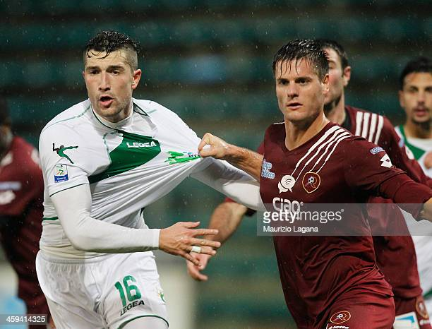 Kristian Ipsa of Reggina competes with Andrey Galabinov of Avellino during the Serie B match between Reggina Calcio and US Avellino at Stadio Oreste...
