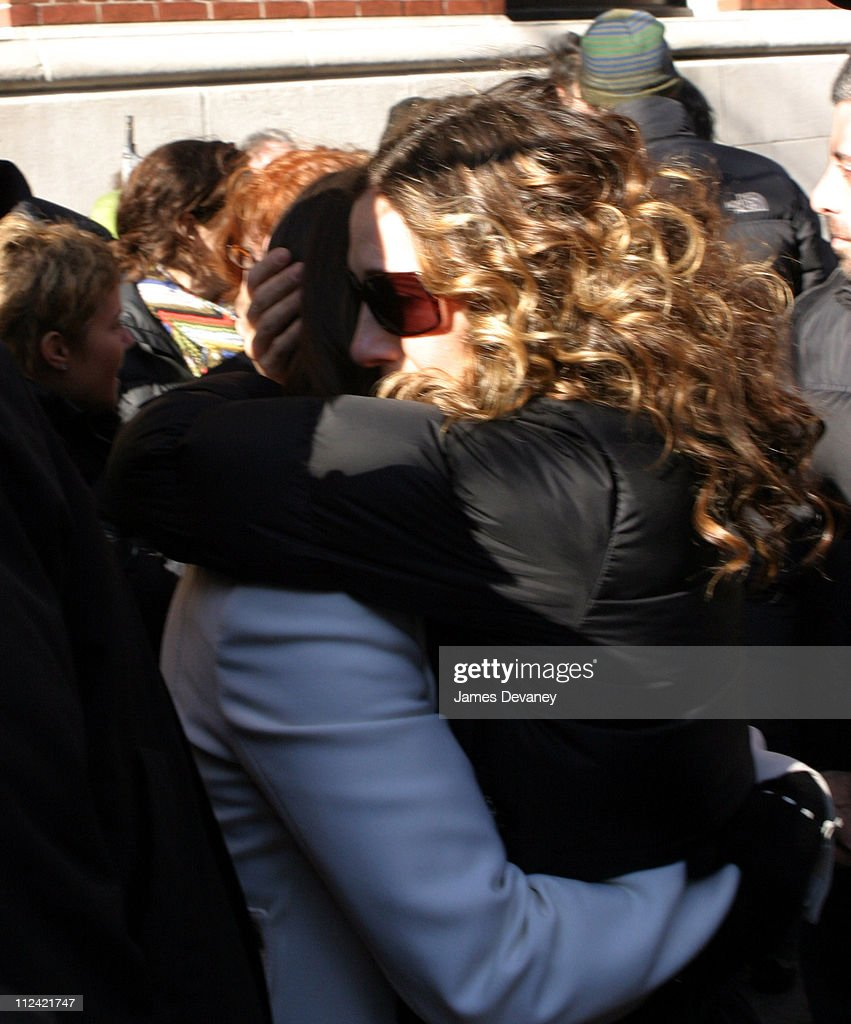 Kristin Davis and Sarah Jessica Parker during 'Sex and the City' - Final Day of Taping - Park Avenue - February 4, 2004 at Park Avenue, Manhattan in New York City, New York, United States.