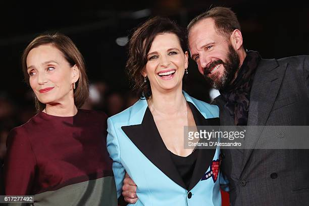 Kristin Scott Thomas Ralph Fiennes and Juliette Binoche walk a red carpet for 'The English Patient Il Paziente Inglese' during the 11th Rome Film...