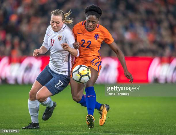 Kristine Minde of Norway Liza van der Most during the FIFA 2018 World Cup Qualifier between Netherland and Norway at Noordlease Stadion on October 24...