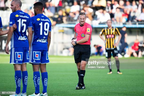 Kristoffer Karlsson the referee looks on during the Allsvenskan match between BK Hacken and GIF Sundsvall at Bravida Arena on August 14 2017 in...