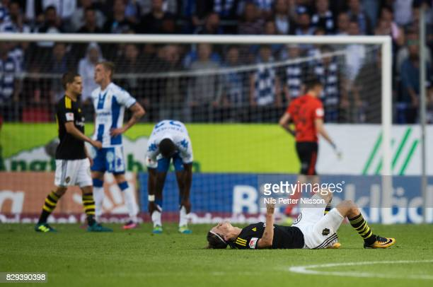 Kristoffer Olsson of AIK in pain during the Allsvenskan match between IFK Goteborg and AIK at Gamla Ullevi on August 10 2017 in Gothenburg Sweden