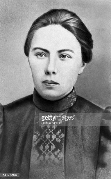Krupskaja Nadeschda K *26021869Politikerin UdSSREhefrau Lenins Portrait als junge Lehrerin ohne Jahr