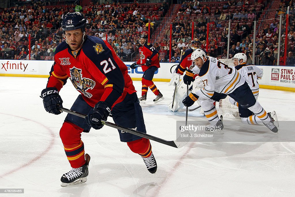 <a gi-track='captionPersonalityLinkClicked' href=/galleries/search?phrase=Krys+Barch&family=editorial&specificpeople=2538220 ng-click='$event.stopPropagation()'>Krys Barch</a> #21 of the Florida Panthers skates for possession against the Buffalo Sabres at the BB&T Center on March 7, 2014 in Sunrise, Florida.