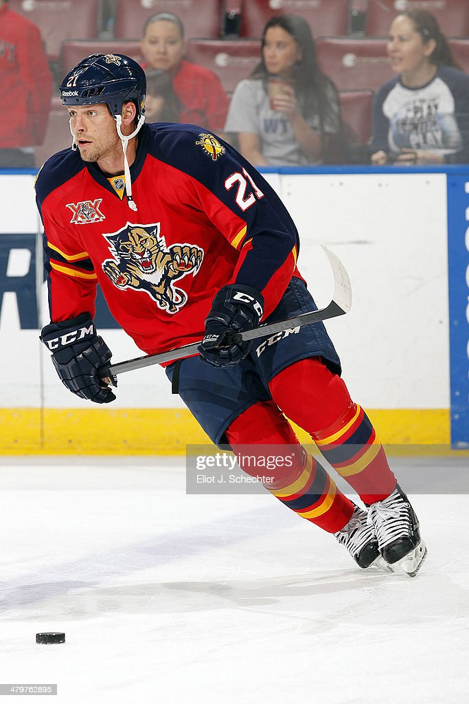 <a gi-track='captionPersonalityLinkClicked' href=/galleries/search?phrase=Krys+Barch&family=editorial&specificpeople=2538220 ng-click='$event.stopPropagation()'>Krys Barch</a> #21 of the Florida Panthers skates on the ice prior to the start of the game against the New Jersey Devils at the BB&T Center on March 14, 2014 in Sunrise, Florida.