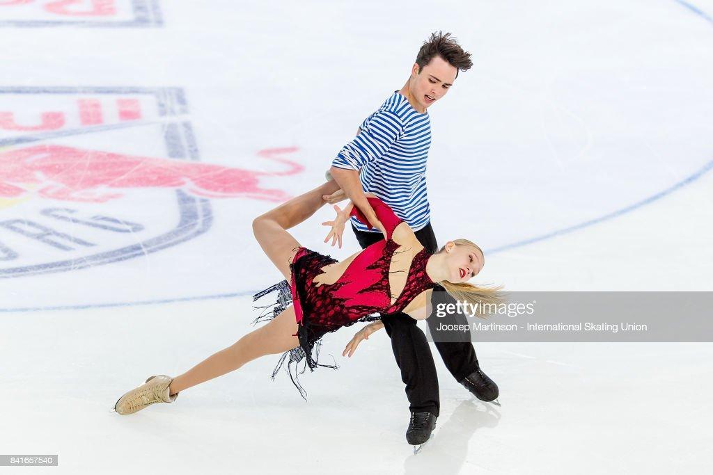 Ксения Конкина - Григорий Якушев - Страница 2 Ksenia-konkina-and-grigory-yakushev-of-russia-compete-in-the-junior-picture-id841657540