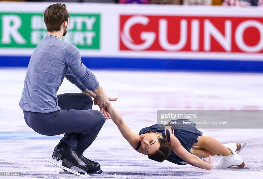 Ксения Столбова - Фёдор Климов - Страница 27 Ksenia-stolbova-and-fedor-klimov-of-russia-compete-during-day-6-of-picture-id518751376
