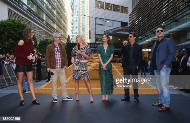 Ksenija LukichAlex KurtzmanAnnabelle Wallis Sofia Boutella Tom Cruise and Russell Crowe address fans during a photo call for The Mummy at World...