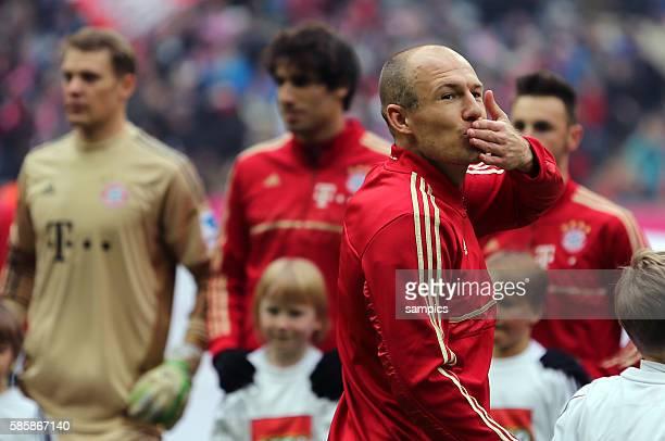 Küsschen von Arjen ROBBEN FC Bayern München 1 Bundesliga Fussball FC Bayern München Werder Bremen 61 Saison 2012 / 2013