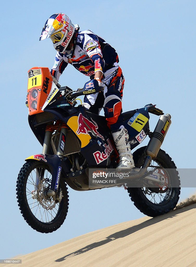 Ktm's rider Ruben Faria of Portugal competes during the Stage 1 of the Dakar 2013 between Lima and Pisco, Peru, on January 5, 2013. The rally will take place in Peru, Argentina and Chile from January 5 to 20. AFP PHOTO / FRANCK FIFE