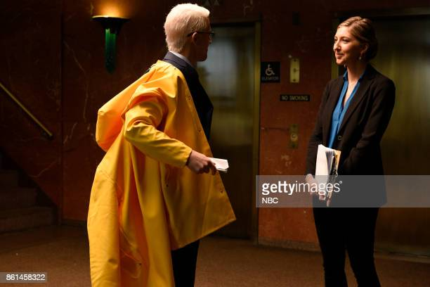 LIVE 'Kumail Nanjiani' Episode 1728 Pictured Alex Moffat as Anderson Cooper Heidi Gardner as a shot producer during 'Rainy Night' on Saturday October...