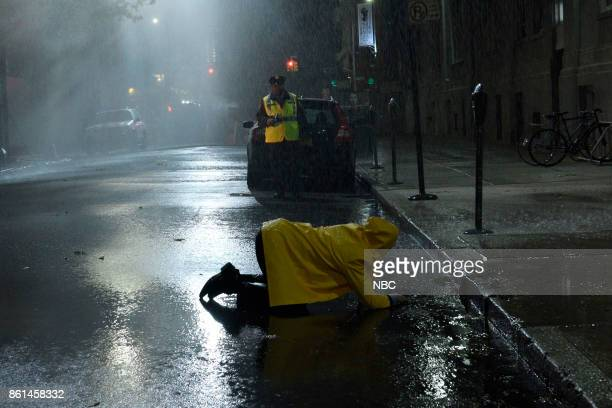LIVE 'Kumail Nanjiani' Episode 1728 Pictured Alex Moffat as Anderson Cooper Kenan Thompson during 'Rainy Night' on Saturday October 14 2017