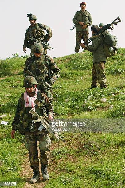 Kurdish Peshmergas and US Special forces are advancing from Kalak towards Khasr and Mosul US Special forces are calling in airstrikes and are...
