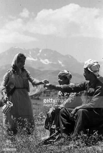 Kurds In Iraq ARMEE REBELLE DU GENERAL BARZANI En Irak et au Kurdistan en 1965 lors d'un reportage au sein des rebelles indépendantistes kurdes Une...