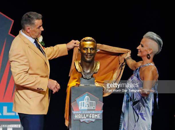 Kurt and Brenda Warner unveil his Hall of Fame bust The 2017 NFL Hall of Fame class including Dallas Cowboys owner Jerry Jones and former TCU running...