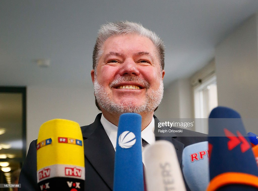 <a gi-track='captionPersonalityLinkClicked' href=/galleries/search?phrase=Kurt+Beck&family=editorial&specificpeople=537056 ng-click='$event.stopPropagation()'>Kurt Beck</a>, former Governor of Rhineland-Palatinate, answers journalists questions at the Nuerburgring court trial on February 19, 2013 in Koblenz, Germany. Ingo Deubel, who is a former Rhineland-Palatinate finance minister, and five others are accused of breach of trust and other charges in their involvement with investments in the failed Nuerburgring speedway and public park project. The project, which received EUR 500 million in public funding, was supposed to drive job growth in the region but instead went bankrupt.