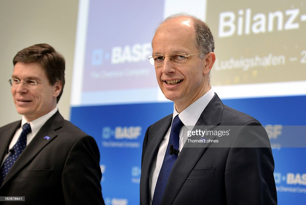 Kurt Bock (R), Chairman of the Board of Executive Directors at BASF SE, and Hans-Ulrich Engel (L), CEO of BASF SE pause at the beginning of the company's earnings news conference on February 26, 2013 in Ludwigshafen, Germany. BASF SE, the world's largest chemical company, has projected increased sales this year.