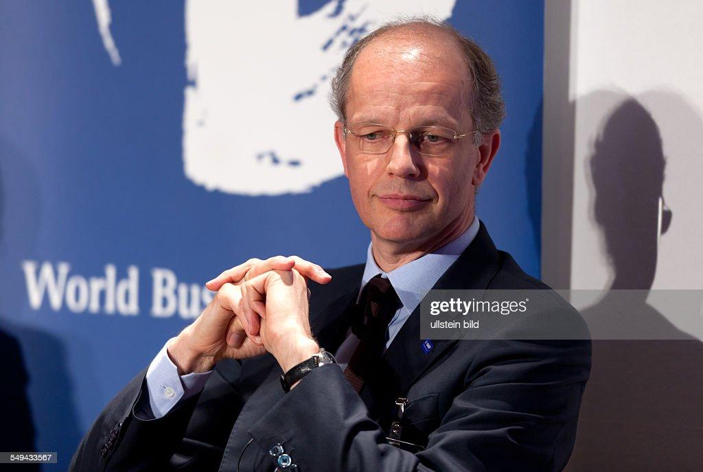 Kurt Bock Vorstandsvorsitzender BASF waehrend einer Diskussionsrunde World Business Dialogue in Köln
