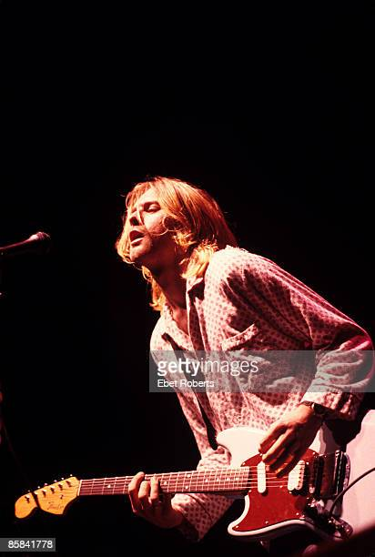 BALLROOM Photo of Kurt COBAIN and NIRVANA Kurt Cobain performing live onstage playing Fender Mustang guitar