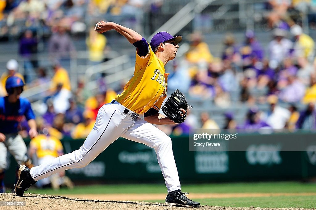 Kurt McCune #39 of the LSU Tigers throws a pitch against the Florida Gators during a game at Alex Box Stadium on May 4, 2013 in Baton Rouge, Louisiana.
