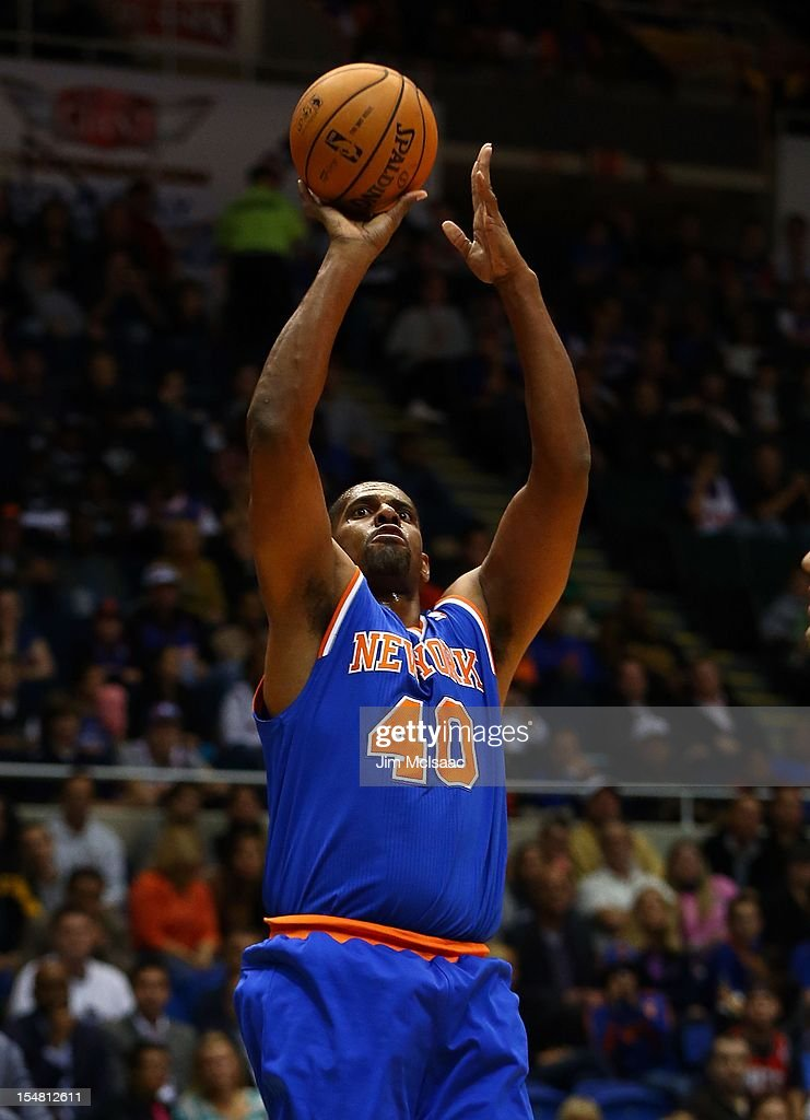 Kurt Thomas #40 of the New York Knicks in action against the Brooklyn Nets during a preseason game at Nassau Coliseum on October 24 2012 in Uniondale, New York The Knicks defeated the Nets 97-95.