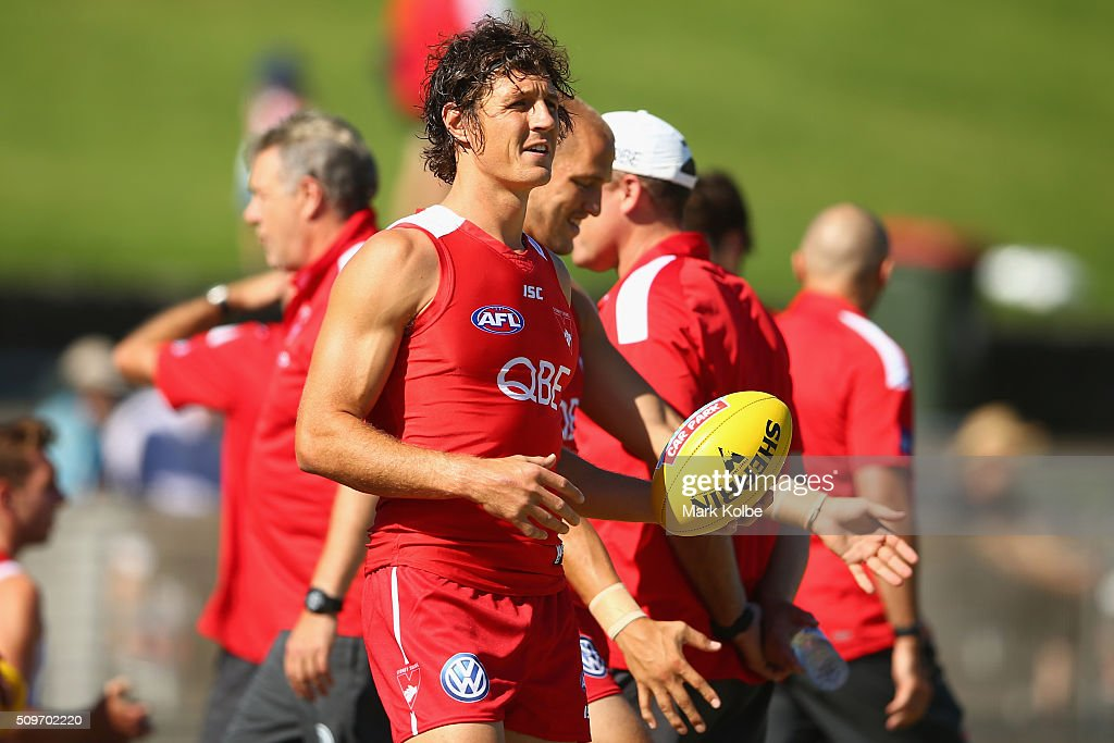 <a gi-track='captionPersonalityLinkClicked' href=/galleries/search?phrase=Kurt+Tippett&family=editorial&specificpeople=779177 ng-click='$event.stopPropagation()'>Kurt Tippett</a> looks on during the warm-up ahead of the Sydney Swans AFL intra-club match at Henson Park on February 12, 2016 in Sydney, Australia.
