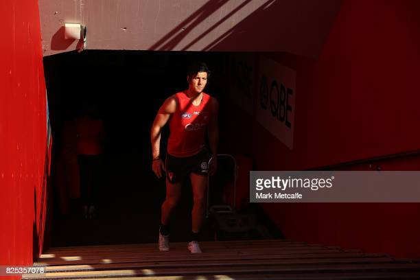 Kurt Tippett of the Swans walks up the race for a Sydney Swans AFL training session at Sydney Cricket Ground on August 2 2017 in Sydney Australia