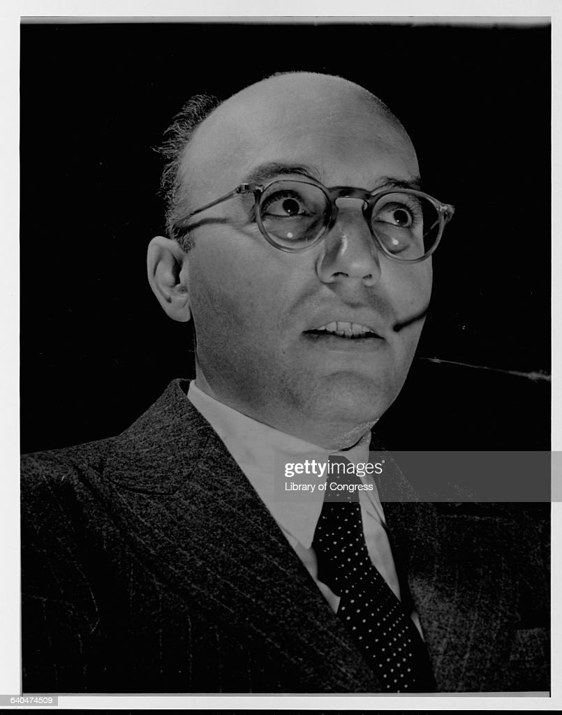 <a gi-track='captionPersonalityLinkClicked' href=/galleries/search?phrase=Kurt+Weill&family=editorial&specificpeople=796753 ng-click='$event.stopPropagation()'>Kurt Weill</a>