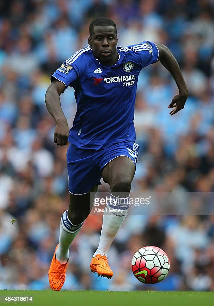 Kurt Zouma of Chelsea controls the ball during the Barclays Premier League match between Manchester City and Chelsea at Etihad Stadium on August 16...