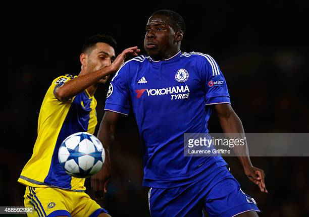 Kurt Zouma of Chelsea controls the ball during the UEFA Chanmpions League group G match between Chelsea and Maccabi TelAviv FC at Stamford Bridge on...