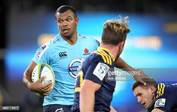 Kurtley Beale of the Waratahs on the attack during the round five Super Rugby match between the Highlanders and the Waratahs at Forsyth Barr Stadium...