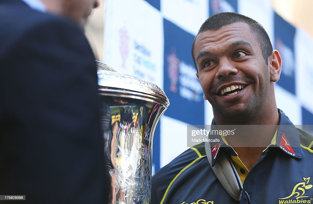 <a gi-track='captionPersonalityLinkClicked' href=/galleries/search?phrase=Kurtley+Beale&family=editorial&specificpeople=3020818 ng-click='$event.stopPropagation()'>Kurtley Beale</a> talks to <a gi-track='captionPersonalityLinkClicked' href=/galleries/search?phrase=Joe+Roff&family=editorial&specificpeople=206996 ng-click='$event.stopPropagation()'>Joe Roff</a> during the Australian Wallabies Bledisloe Cup launch at the Museum of Sydney on August 9, 2013 in Sydney, Australia.
