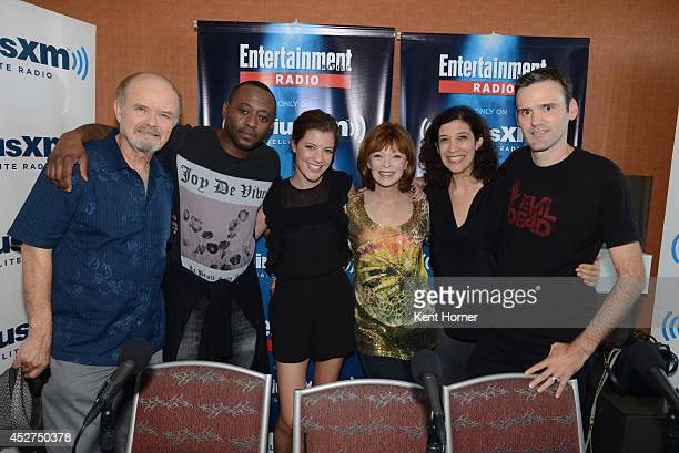 Kurtwood Smith Omar Epps Devin Kelley and Frances Fisher pose with radio hosts Jessica Shaw and Dalton Ross after being interviewed on SiriusXM's...