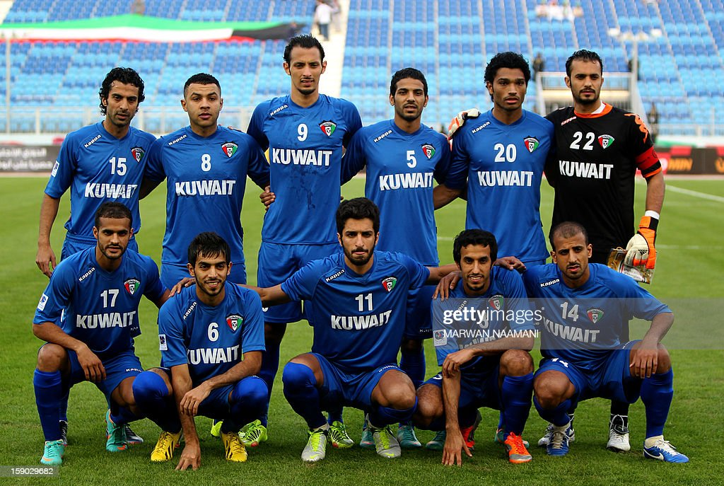 Kuwait's national team players pose prior the start of the Gulf Cup football match Kuwait versus Yemen, on January 6, 2013 in Manama.