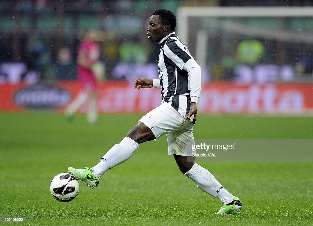 Kwadwo Asamoah of Juventus FC controls the ball during the Serie A match between FC Internazionale Milano and Juventus FC at San Siro Stadium on March 30, 2013 in Milan, Italy.